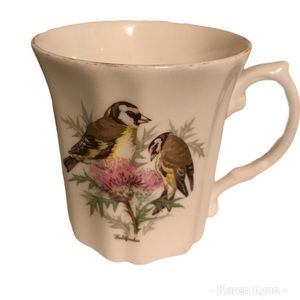 💋3/$30 Royal Grafton mug Goldfinches P3